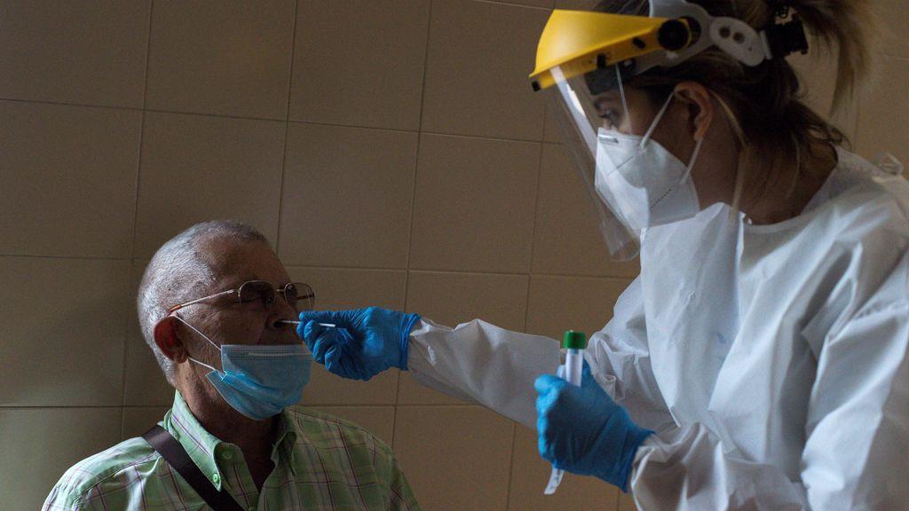 España suma 17.681 contagios de coronavirus y 394 muertos desde el viernes