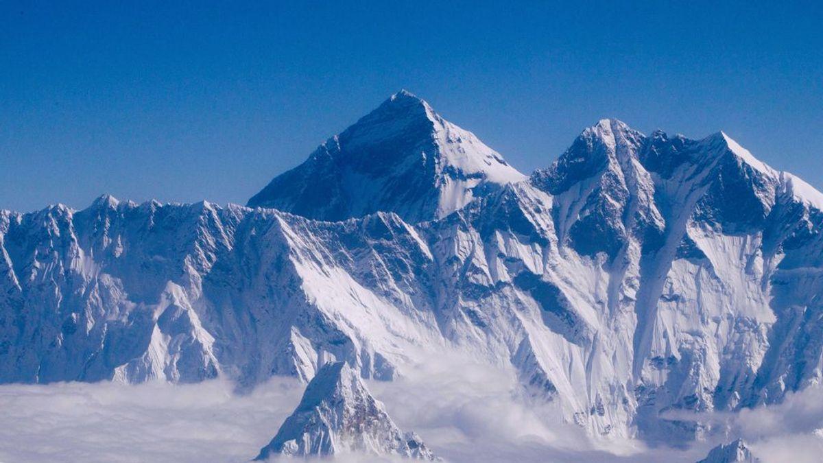 Fin a los debates sobre el monte Everest: Nepal y China fijan su altura en 8.848,86 metros