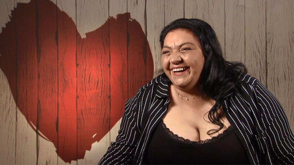 """Rosario, a su cita en 'First Dates': """"Soy gitana canastera y mis hijos gitanos marroquís, me gustan las culturas"""""""