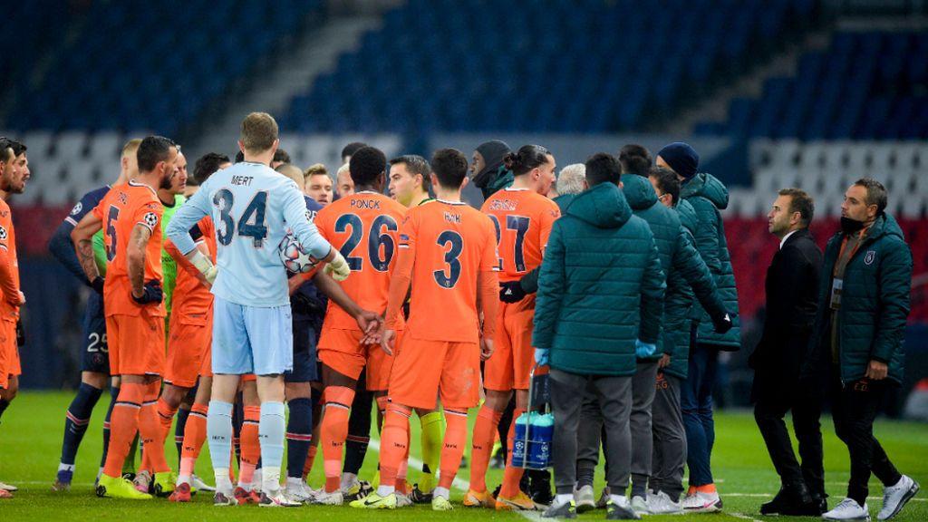 El PSG-Estambul se reanuda tras el episodio racista protagonizado por el cuarto árbitro: un caso sin precedentes