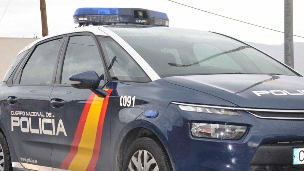 La fiscalía califica de atentado pegar con un bolso a un policía y pide un año de cárcel
