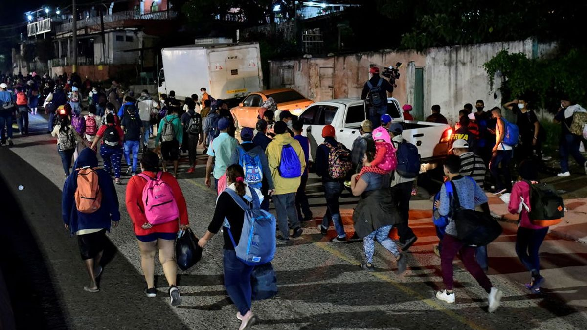 Una 'caravana' de migrantes parte desde Honduras rumbo a Estados Unidos