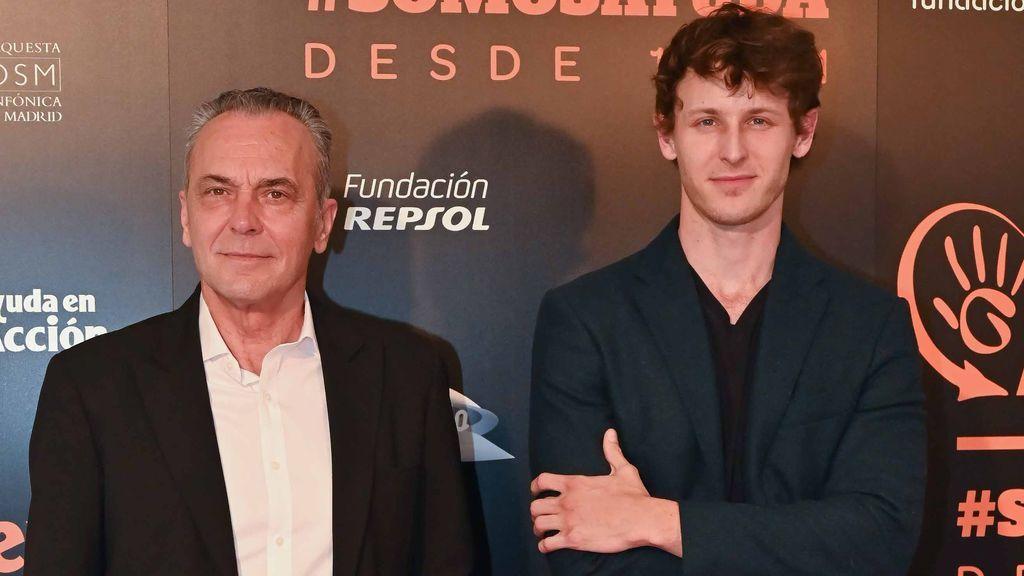 Nicolás Coronado con su padre, José Coronado