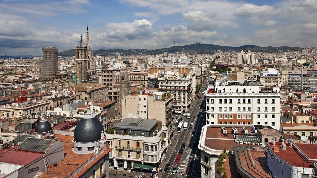 Cataluña registra 33 muertes y suma 1.446 contagios el día que da de alta a un centenar de afectados