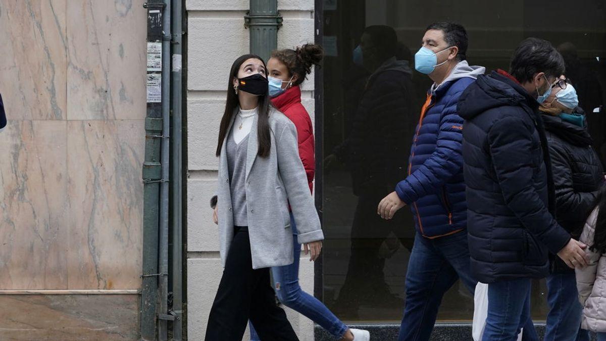 Sanidad notifica 7.955 nuevos contagios y 325 muertes