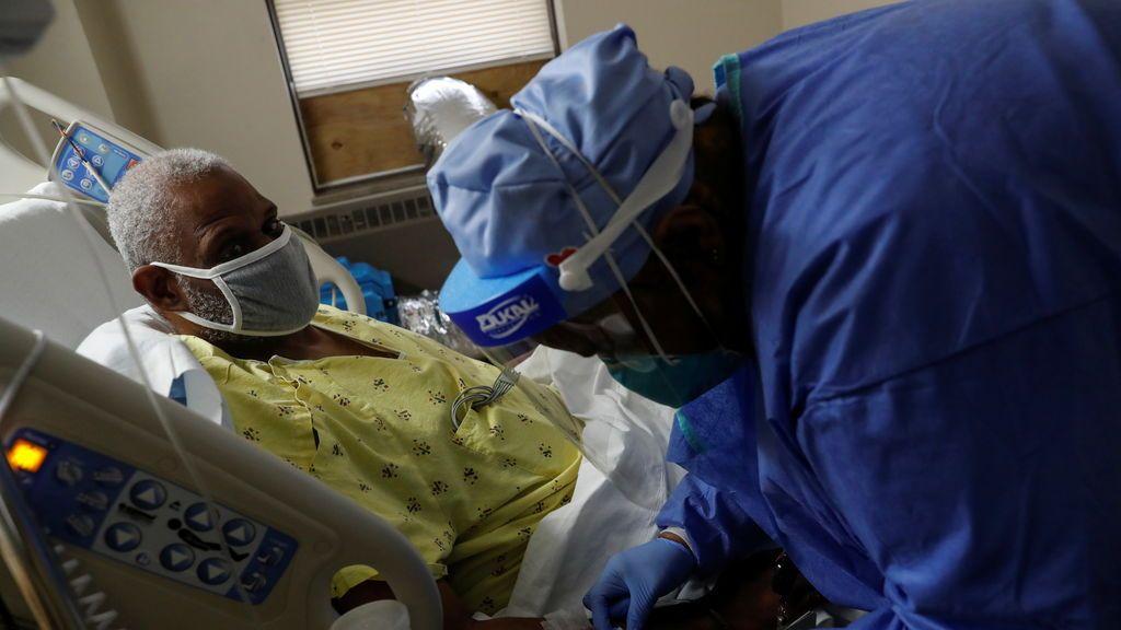 EE.UU. bate el récord diario de muertos por covid: supera los 3.000, más que en el ataque del 11-S
