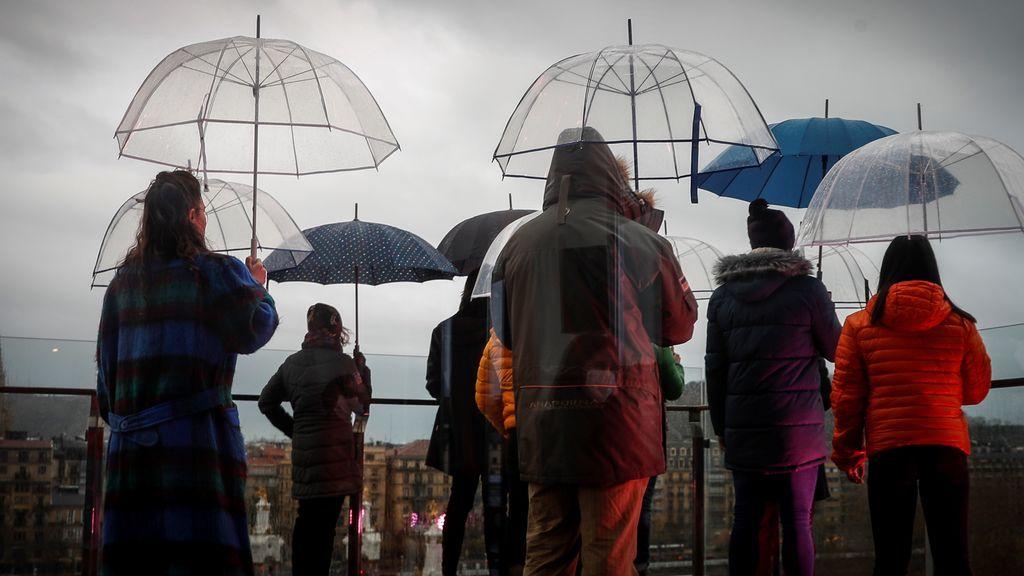 Precaución con las lluvias, el viento y las olas: varios frentes ponen en riesgo a media España