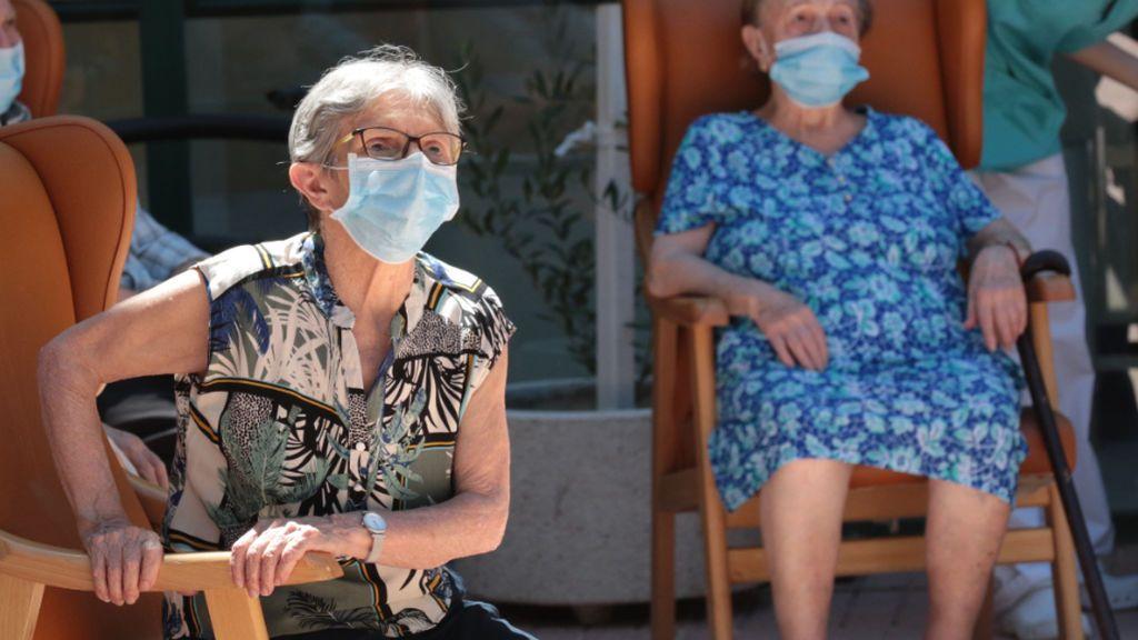 Madrid permitirá que los mayores sin anticuerpos salgan de las residencias en Navidad