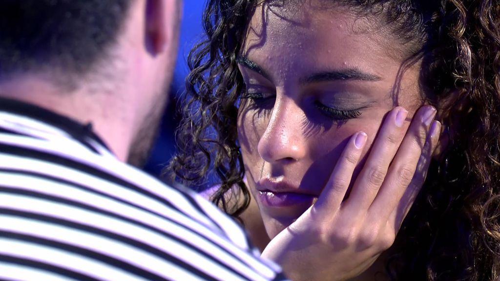 """Zoe amenaza con irse y Josué le abre su corazón: """"Te quiero un poco"""""""