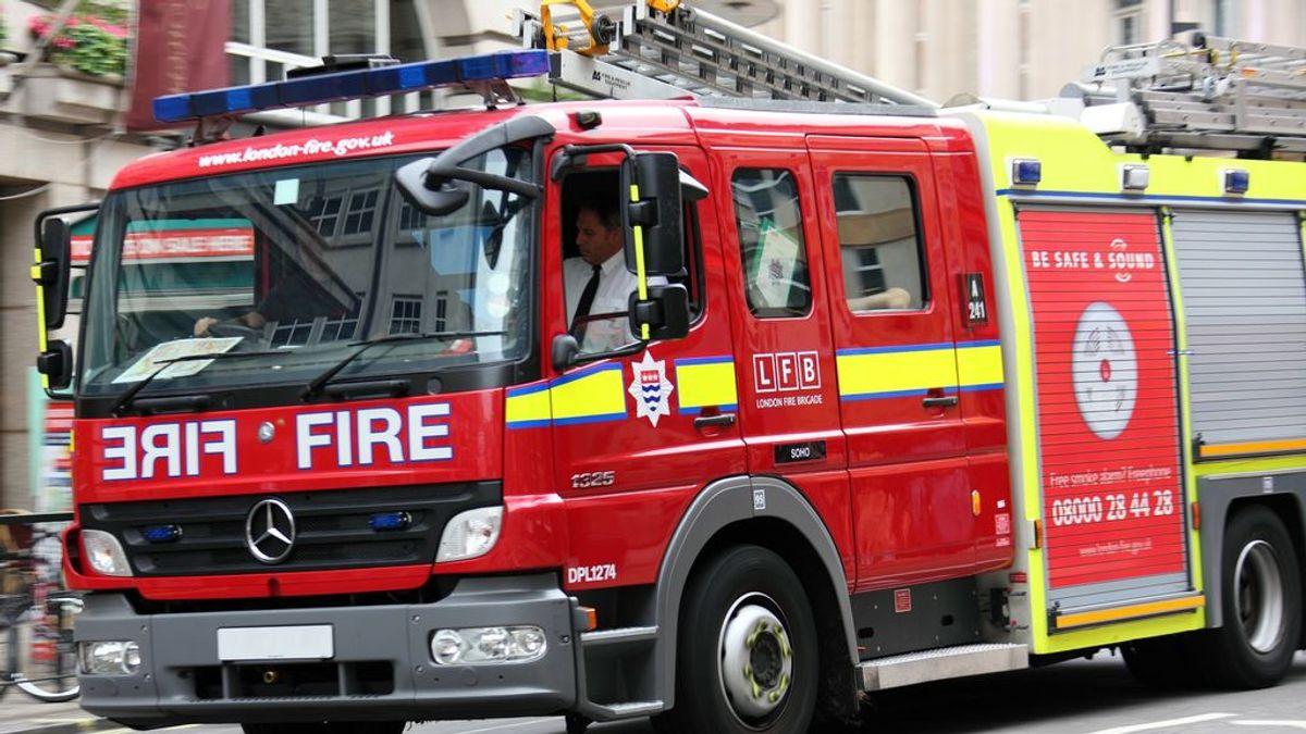 Mueren dos hermanos, de siete y tres años, en un incendio y su madre resulta gravemente herida