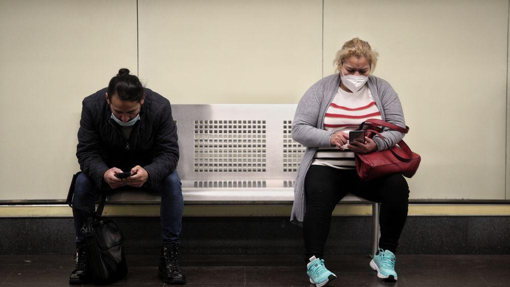 El miedo a la pandemia reduce casi a la mitad el uso del transporte público en 2020