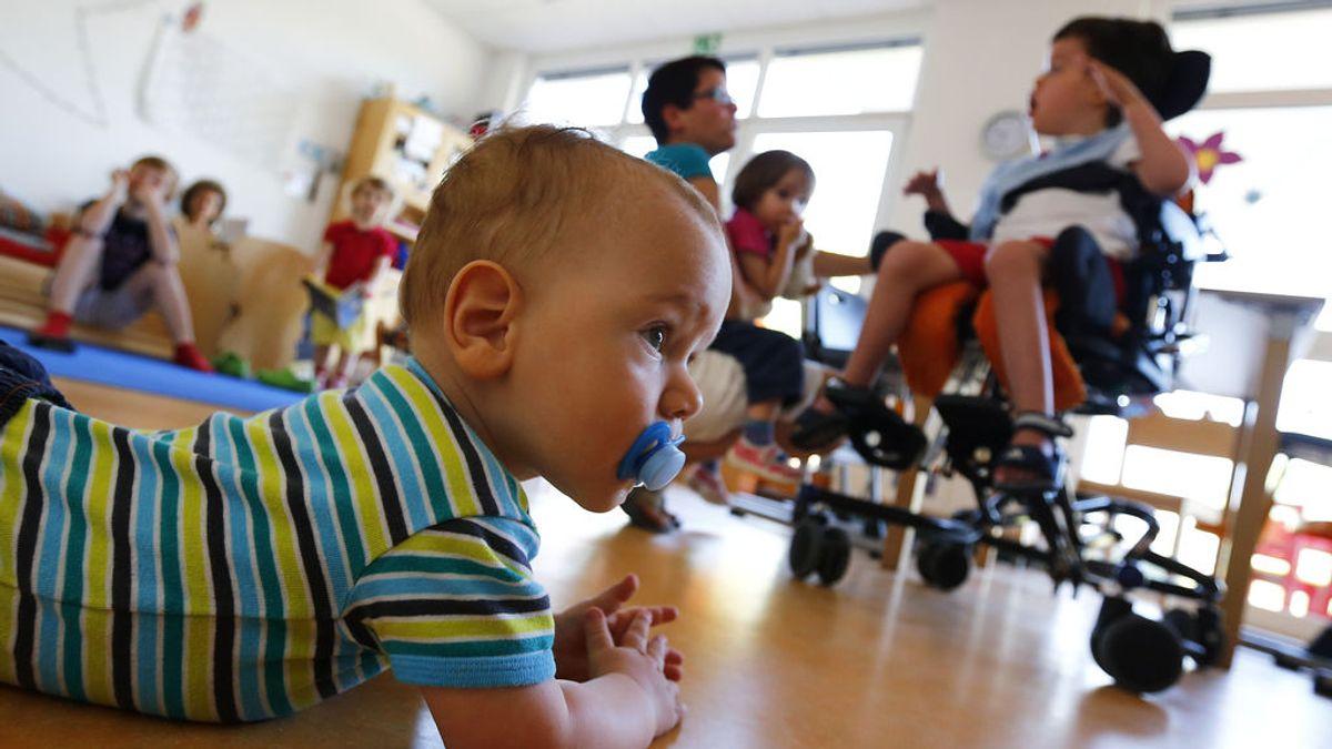 Por qué los niños se infectan menos, contagian menos y 'engañan' a las PCR
