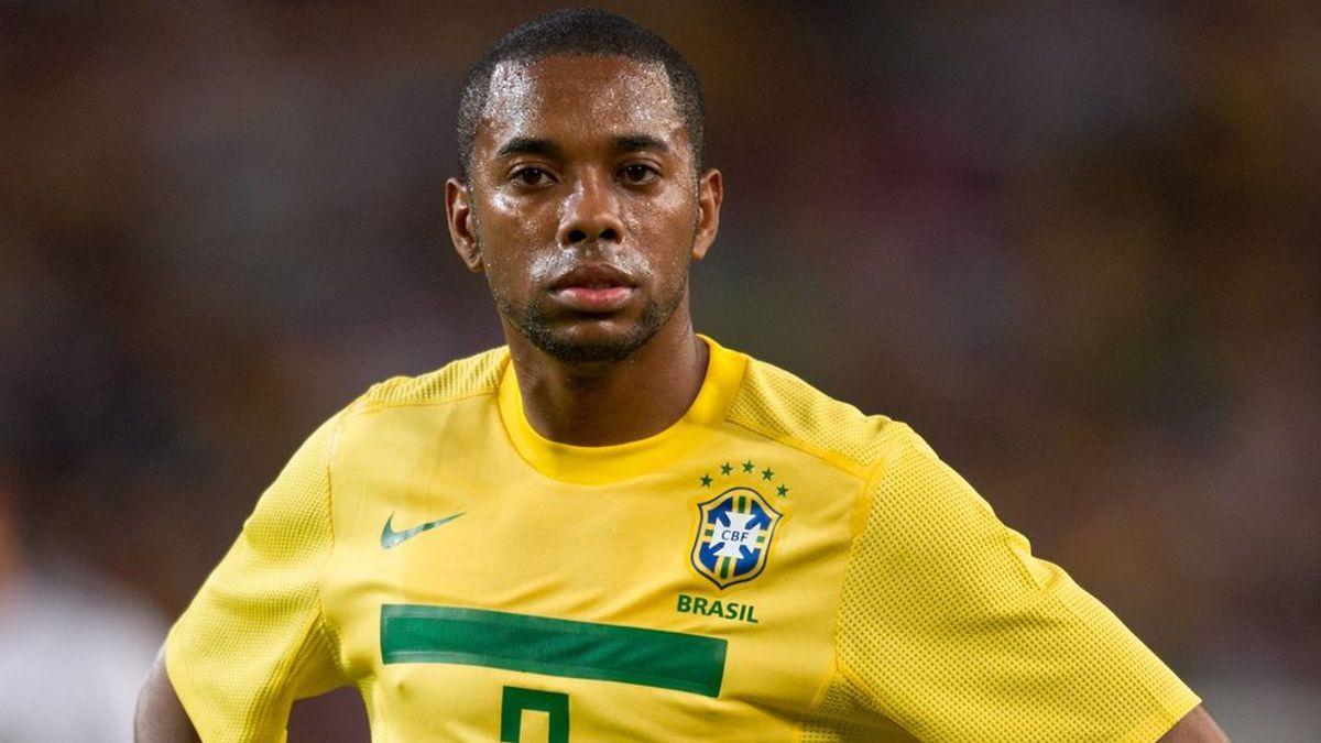 Robinho vive en Brasil, que no extradita a sus ciudadanos.