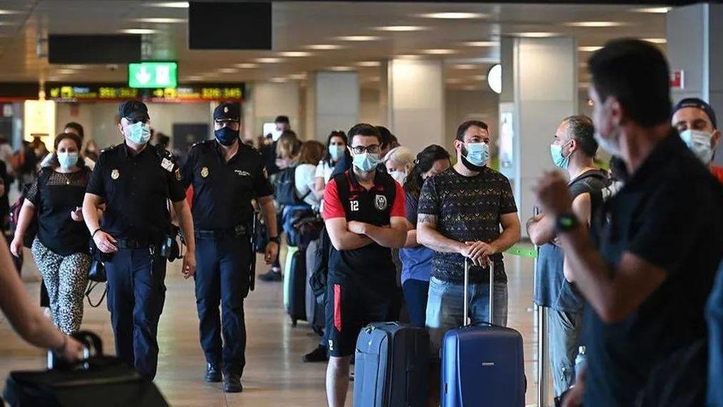 """Ximo Puig pide al Gobierno que garantice el cierre de la región """"para todo el mundo"""", incluido migrantes"""