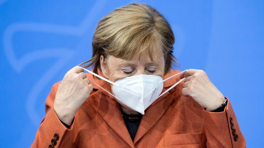 """Merkel se olvida del """"confinamiento light"""" y confina como en la primera ola de COVID-19"""