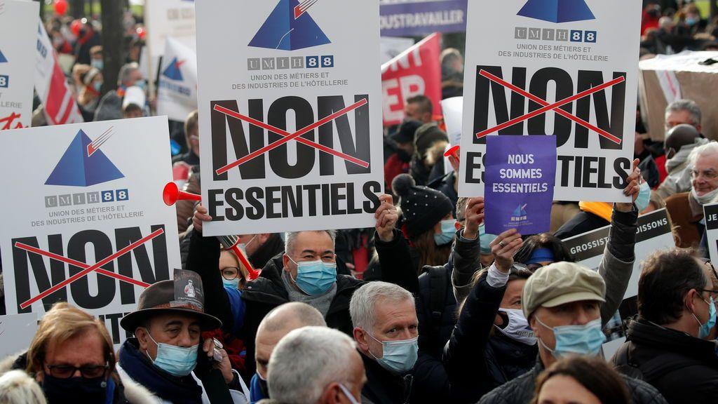 Protestas en Francia contra las restricciones para frenar el coronavirus