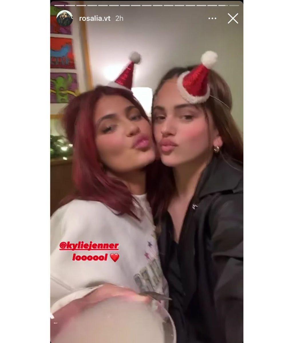 Rosalía y las Kardashian se reúnen en una fiesta navideña