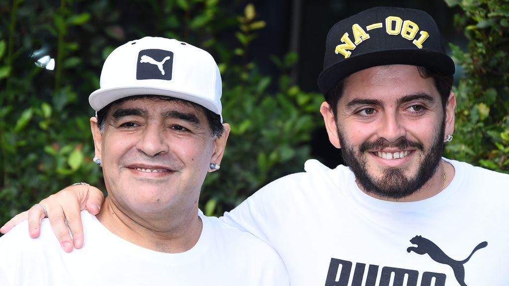 Dos nuevos supuestos hijos de Maradona piden la exhumación del cadáver para una prueba de ADN: quieren participar en la herencia
