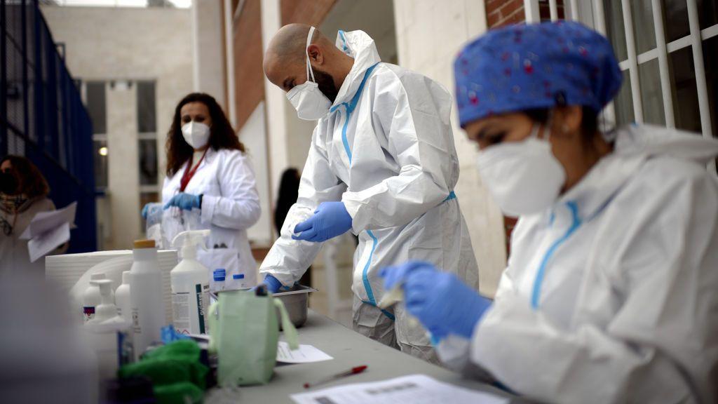 Madrid sufre otra subida de hospitalizados por coronavirus, con los contagios al alza