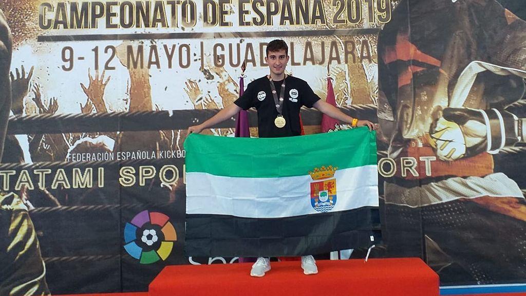 Muere a los 19 años Julián Lozano, campeón de España de kickboxing, tras un disparo en una cacería
