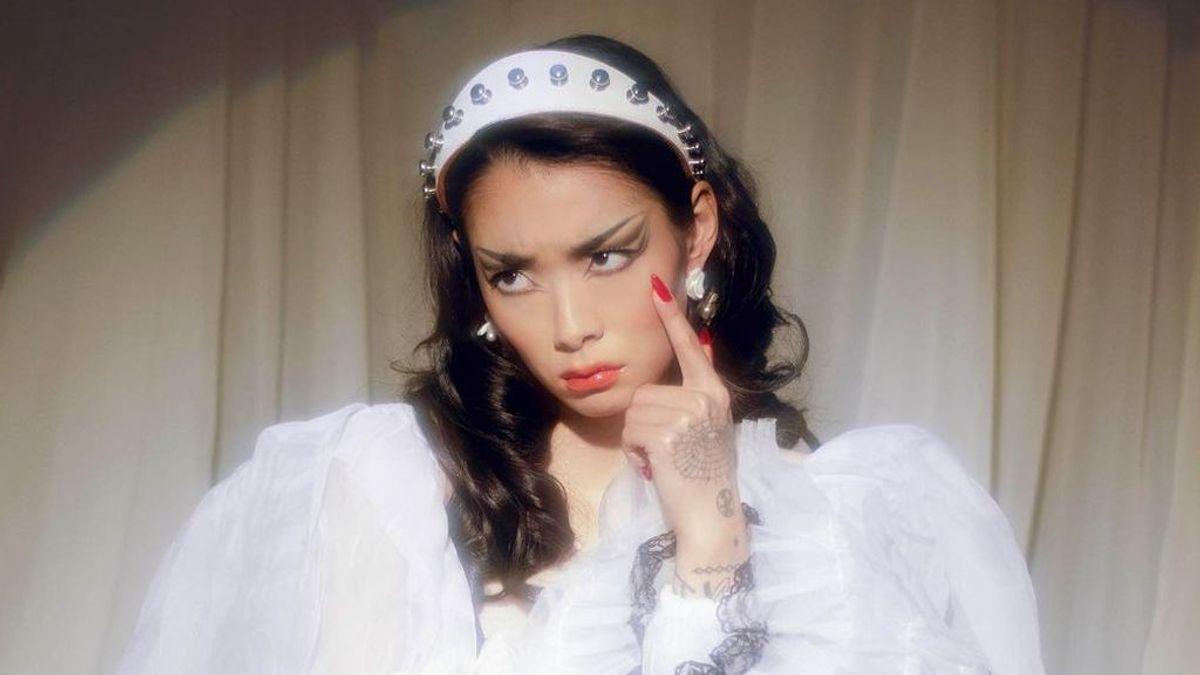 """Rina Sawayama, la princesa pansexual del pop: """"La gente queer me salvó, nunca lo olvidaré"""""""