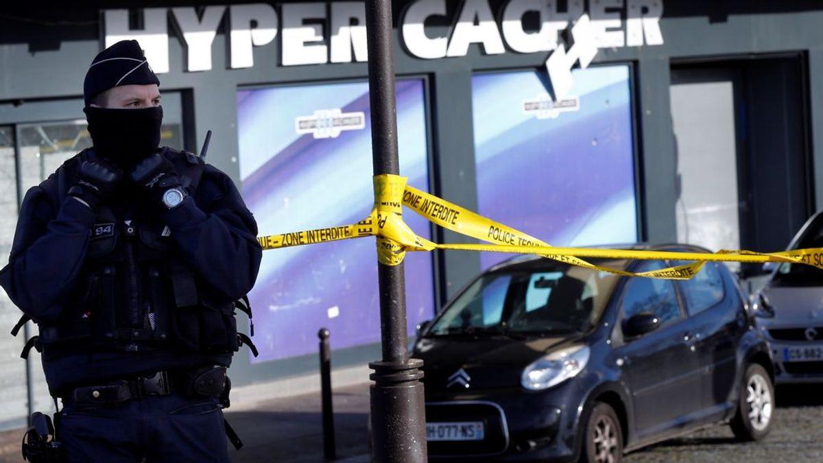 Condena al ataque de Charlie Hebdo: entre cuatro años de prisión y una cadena perpetua para los acusados