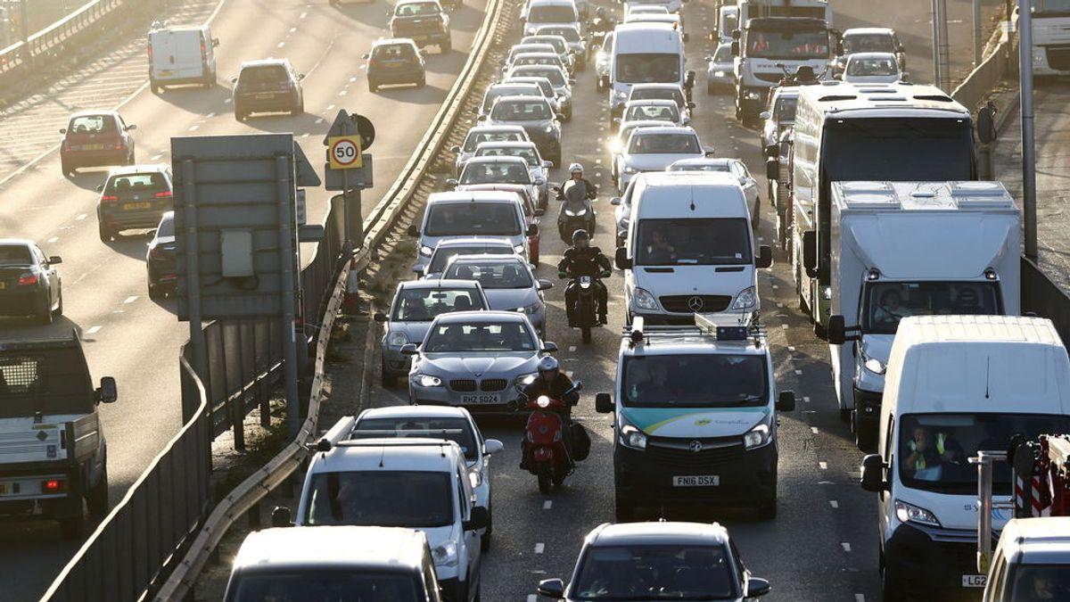 La contaminación del aire causó la muerte de una niña británica, según una sentencia pionera