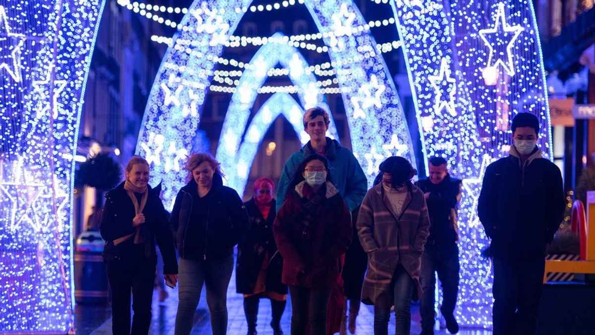 Sanidad y autonomías asumen medidas más duras en Navidad: confinamientos, reuniones y toques de queda