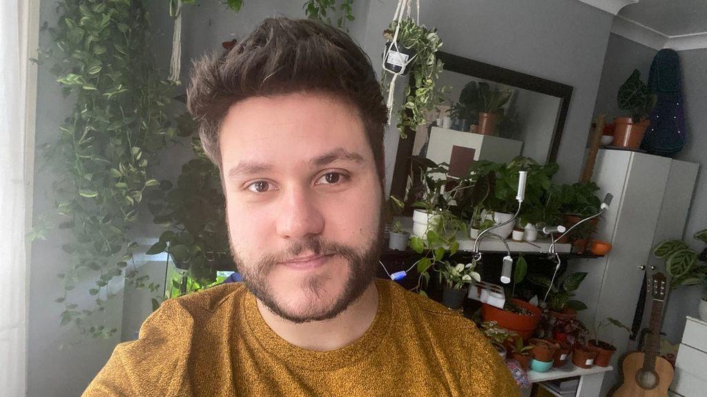 """Antonio García, enfermero vacunado en Londres contra la covid: """"Me siento afortunado"""""""