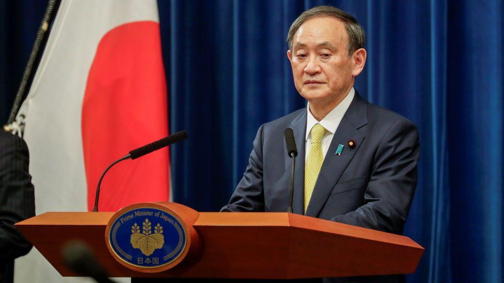 El primer ministro de Japón incumple en una cena sus propias recomendaciones frente a la pandemia