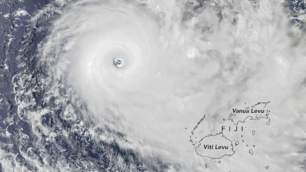 El ciclón Yasa llega a Fiji: residentes de la isla comparten imágenes grabadas en primera persona
