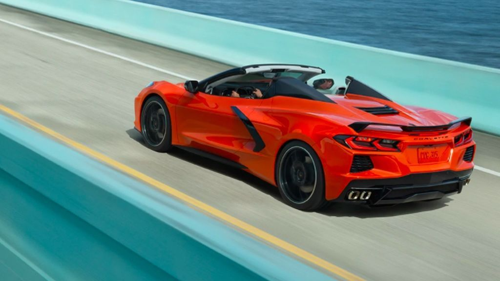 Chevrolet Corvette C8 Stingray vs Porsche 911 Carrera S: comparamos los dos superdeportivos