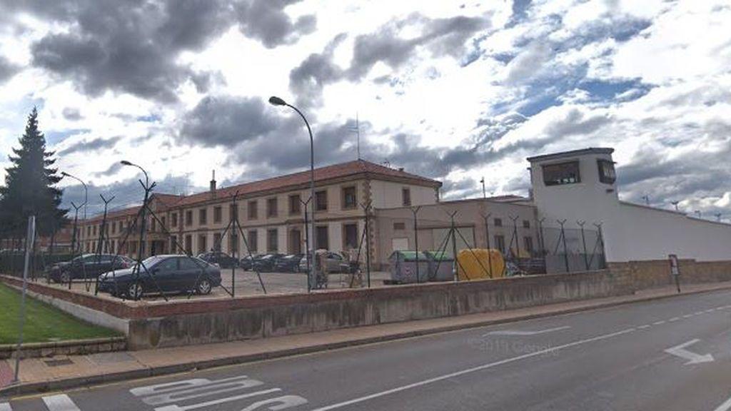 Un preso intenta fugarse saltando el muro de la cárcel de Soria