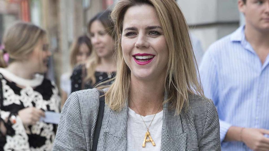 Amelia Bono, la hija del expolítico que triunfa en Instagram: así es su vida con 40 años y cuatro hijos.