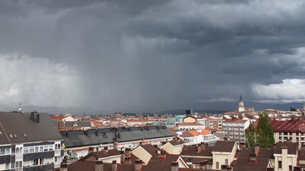 Día de transición: el viernes se acerca un frente que dejará lluvias en puntos de España