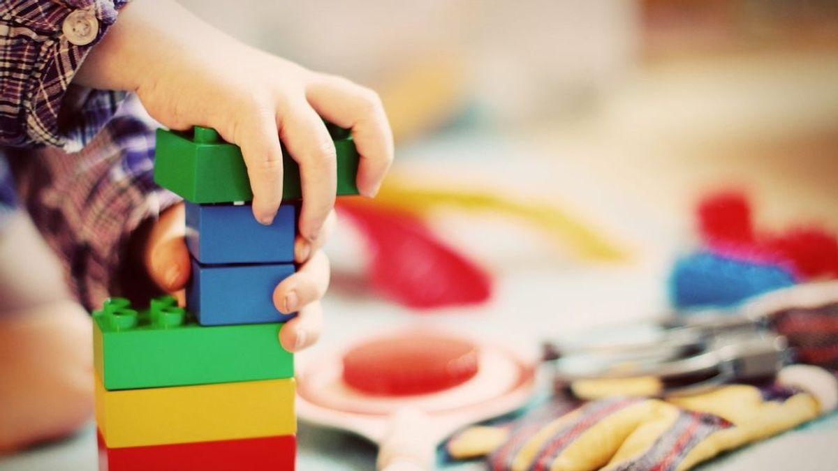 Por qué no debemos regalar demasiados juguetes a los niños
