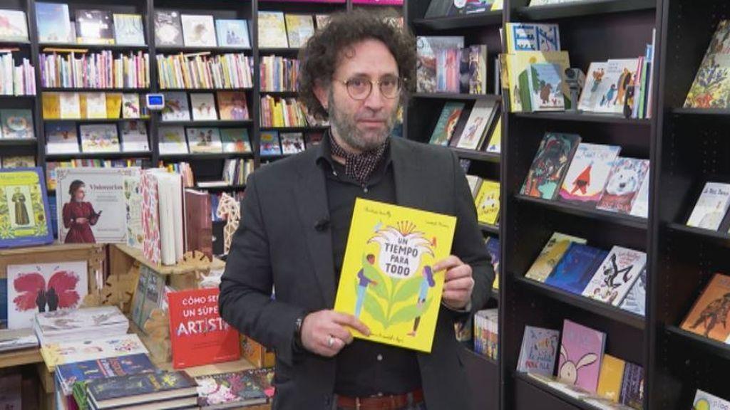 Los libreros recomiendan grandes historias 'Un tiempo para todo' y 'El gran libro verde'