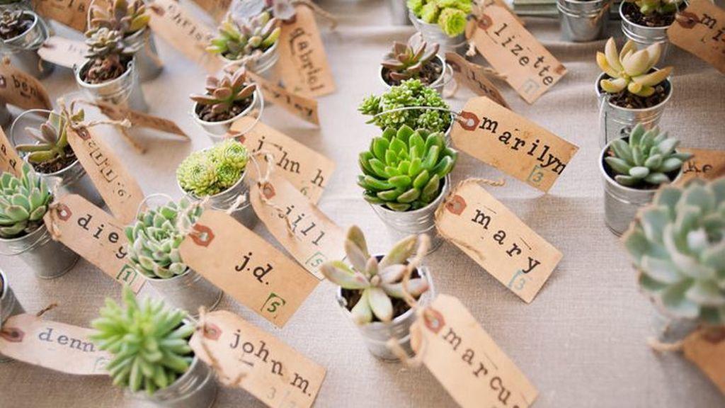 Cómo mimar a los invitados que no van a poder venir a la boda: ideas para regalar.