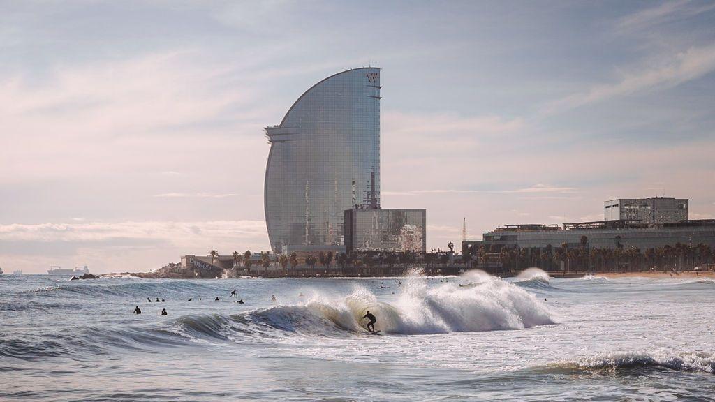 Los datos en Cataluña justifican su paso atrás, con dos millares de contagios y el riesgo de rebrote en 302 puntos