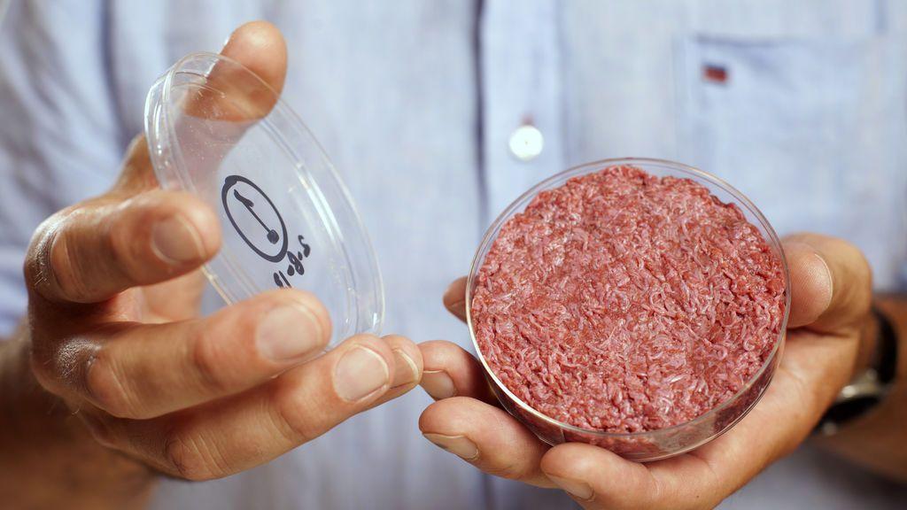 ¿Te la comerías? La carne producida en laboratorio llega a los restaurantes