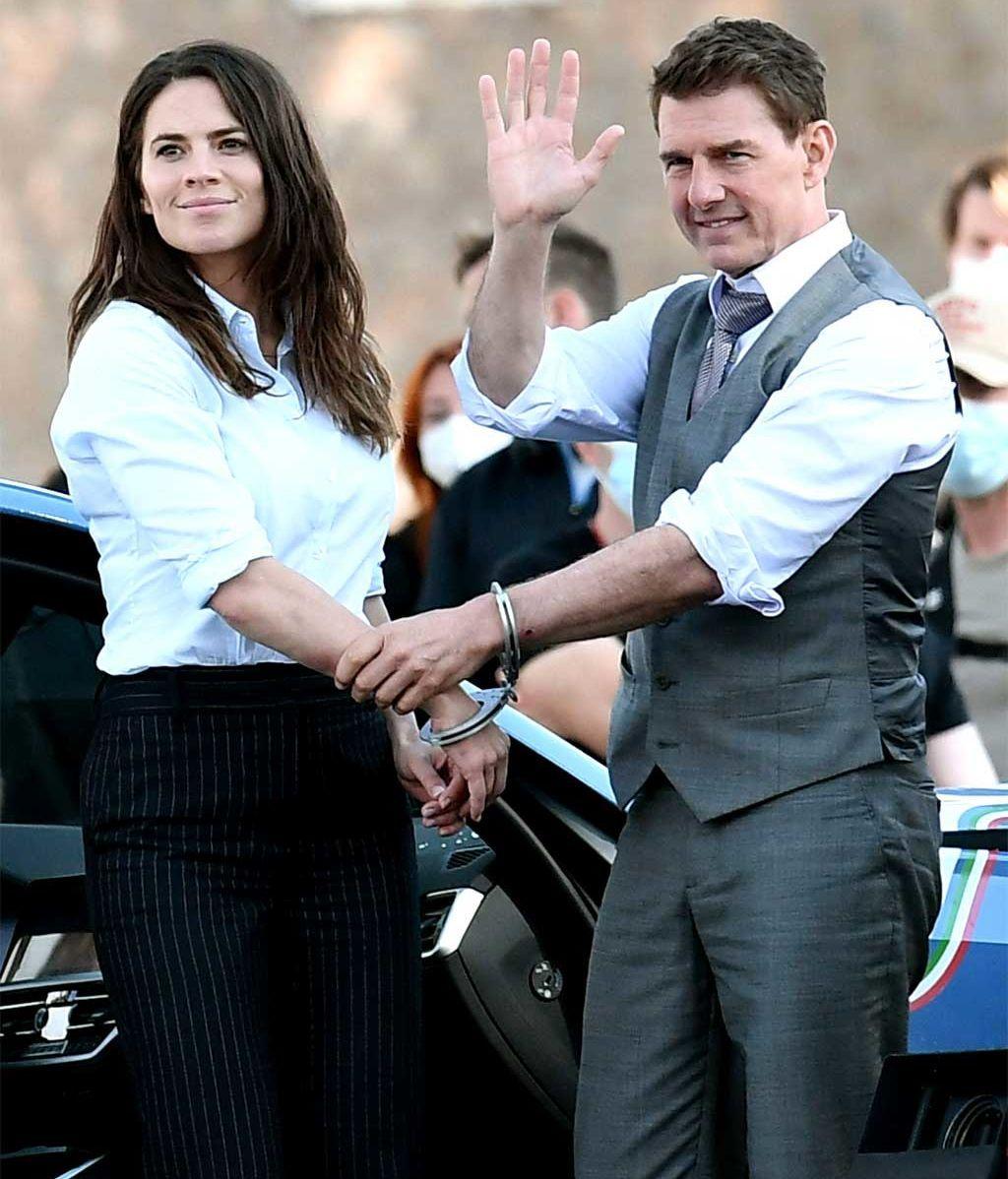 Tom Cruise y Hayley Atwell, en el rodaje de 'Misión Imposible 7'