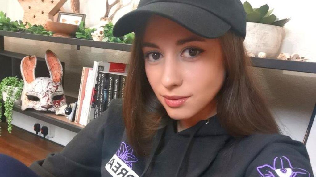 La historia de Anita: una gamer con síndrome de Tourette a la que sus tics le han llevado al éxito