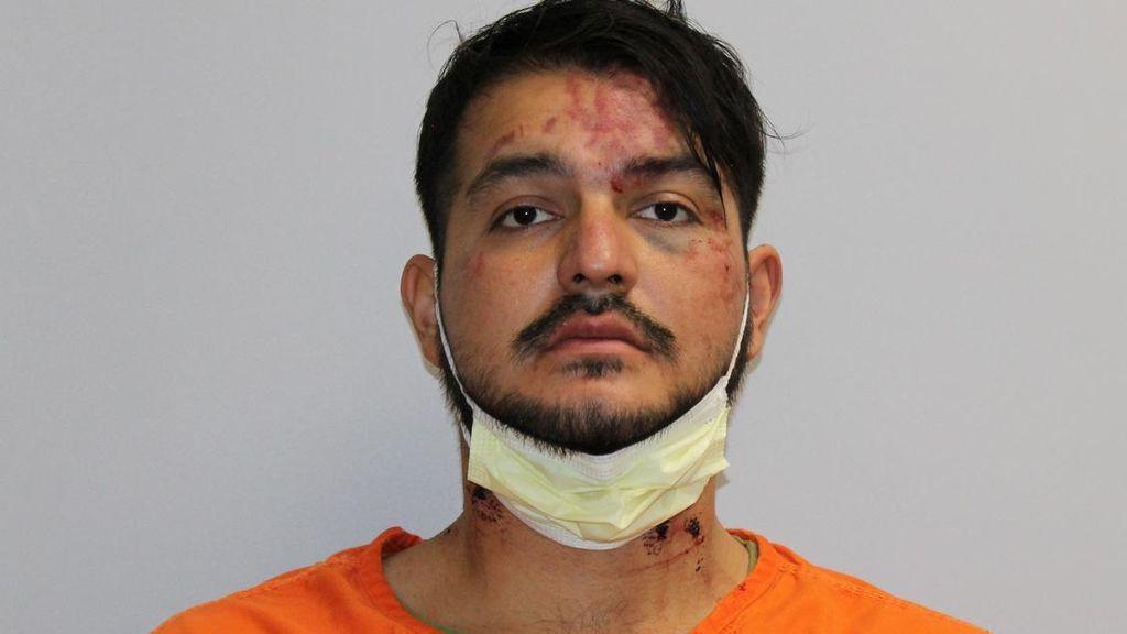 Un adolescente muere apuñalado al defender a su madre del ataque del marido