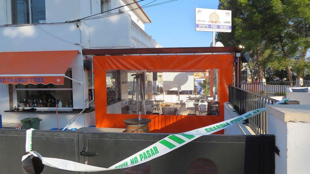 Unos encapuchados matan a tiros a un hombre en una terraza de Alicante