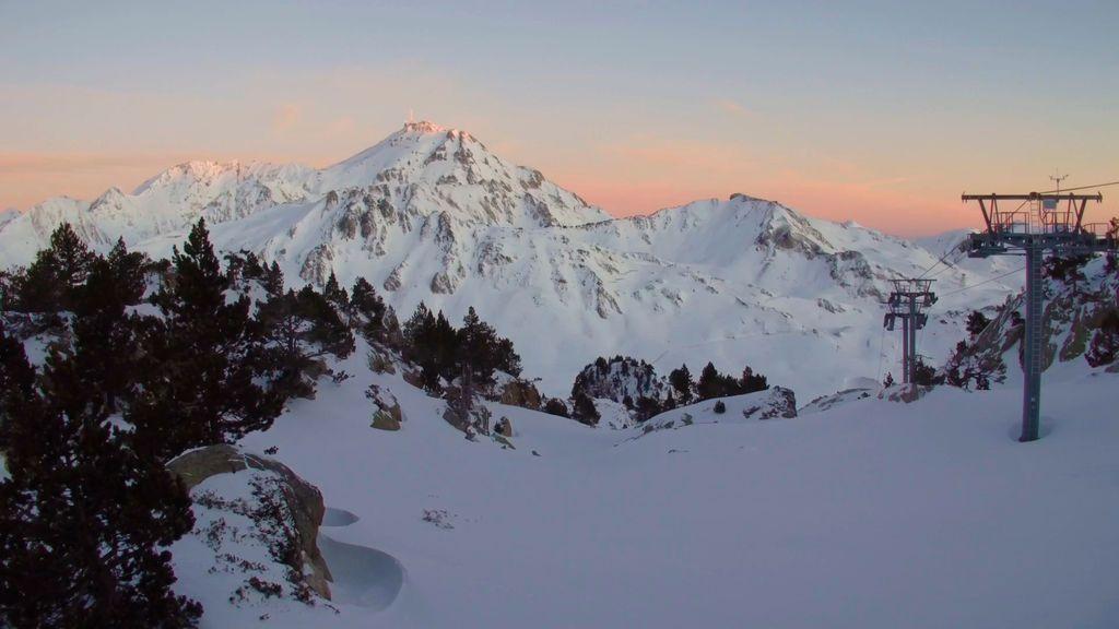 Listado con las estaciones de esquí del Pirineo Francés