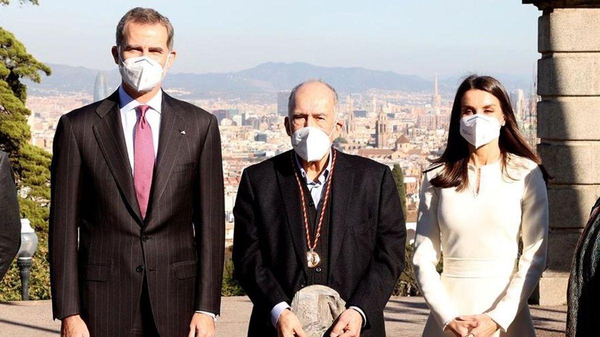 """Viaje """"privado"""" de los reyes a Barcelona para entregar el Cervantes a Joan Margarit"""