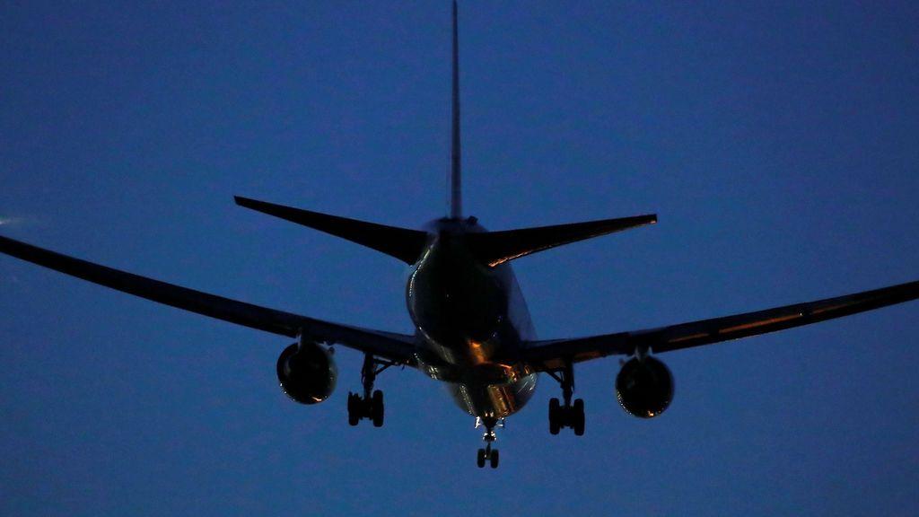 España acuerda con Portugal la suspensión desde mañana los vuelos procedentes del Reino Unido