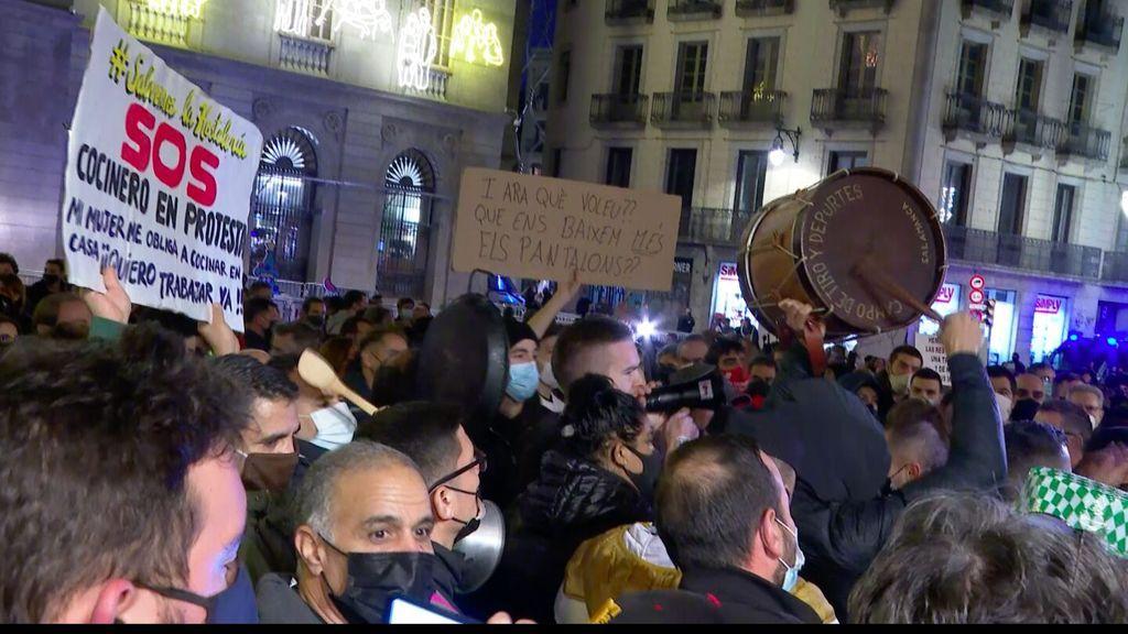 "Manifestación de la hostelería en Barcelona: ""Nos están enterrando en vida"""