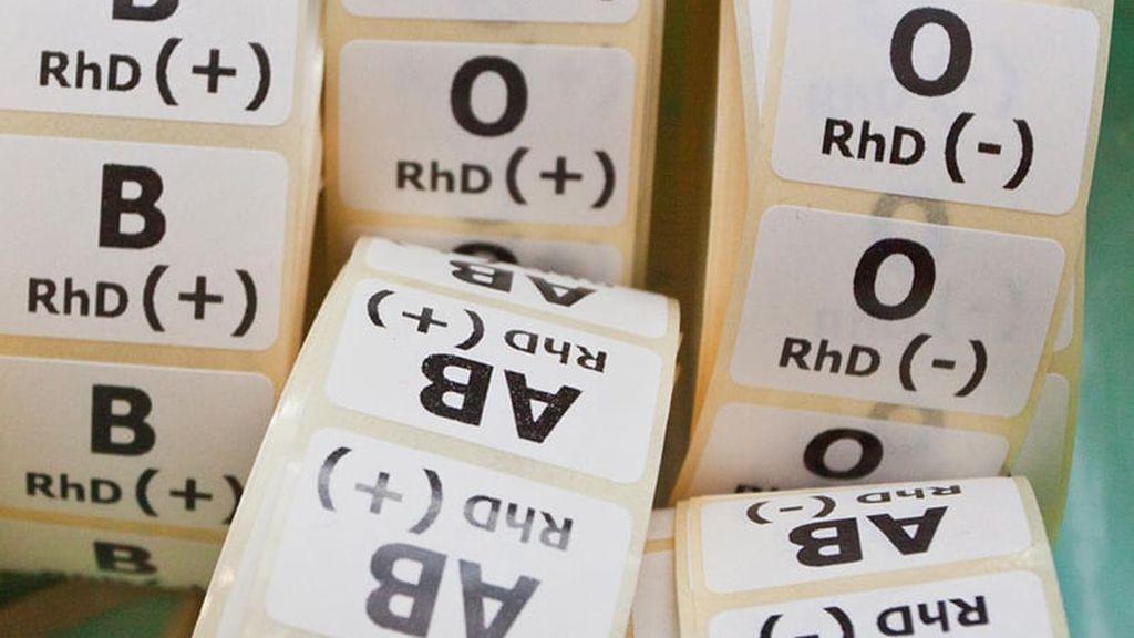 Y, además del grupo sanguíneo, todas las personas tenemos un factor Rh, que puede ser positivo o negativo.