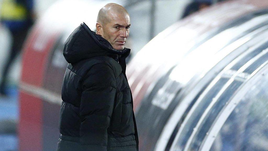 Zidane esta molesto por las críticas arbitrales.